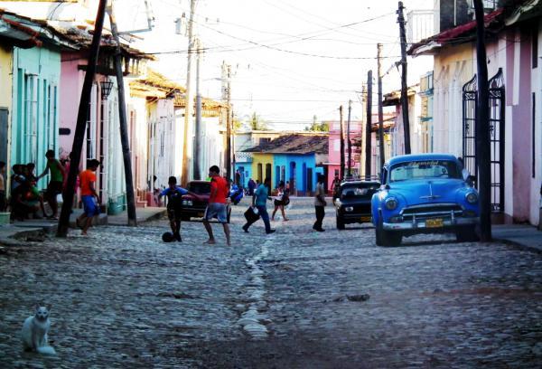 EL GATO BLANCO - Cuba 2012
